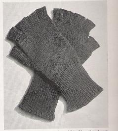 Fingerless Gloves – Wartime Handknits, 1942