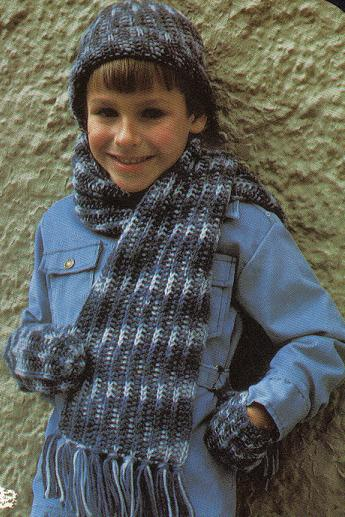 Free Knit Pattern for Girl's Purse, Scarf, Tiara: Instructions for
