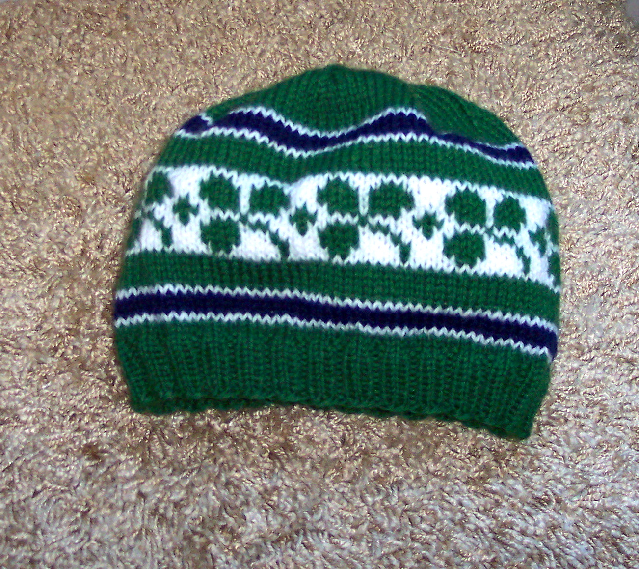 Irish Knitting Patterns Free : Getting Ready for St. Patrick s Day   knit a bunch of shamrocks   free patter...