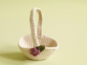 Easter baskets to knit and crochet free patterns grandmothers little crochet basket negle Gallery