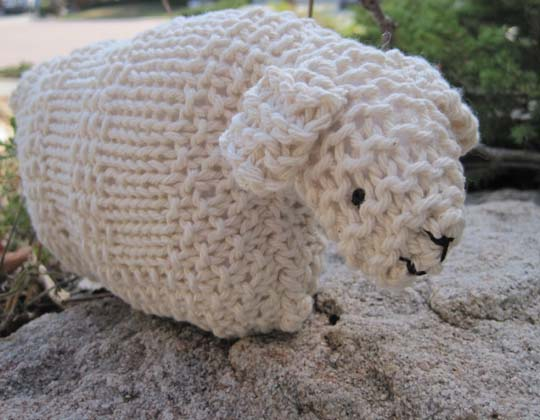 Knitting Pattern For Lamb Free : Knit a Little Lamb for Easter   free patterns   Grandmothers Pattern Book