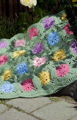 LW1470 Flower Garden Afghan - Sewing, Needlecraft, Thread, Textile