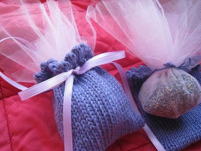 How to Crochet a Wedding Favor Bag - YouTube