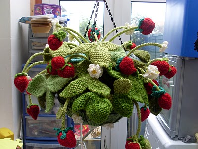 Strawberry Leaf Knitting Pattern : Strawberry crochet   free patterns   Grandmothers Pattern ...