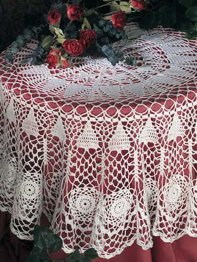 Free Crochet Tablecloth Patterns : ... Crochet Christmas Doilies, Tablecloths and Filet Crochet Patterns free