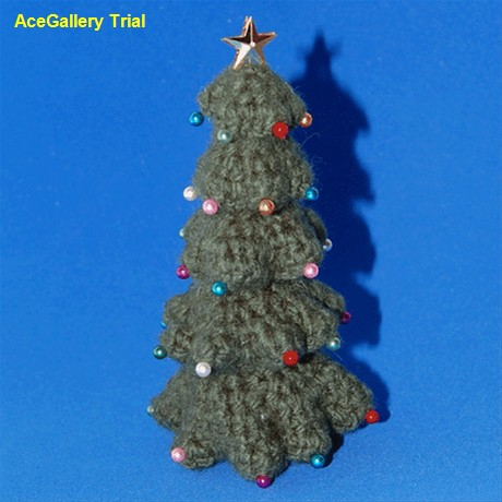 Christmas In July Begin By Crocheting A Christmas Tree 49 Free