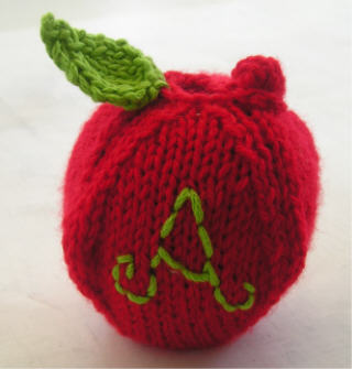Knitted Apple Pattern : An Apple for the Teacher   knit, crochet   free patterns   Grandmothers ...