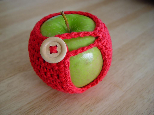 10 Free Apple Crochet Patterns | Hooked on Homemade Happiness | 375x500