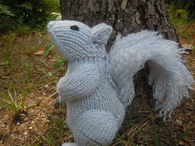 ... Fall – Squirrels – free patterns – Grandmother's Pattern Book