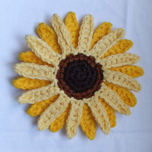 Sunflowers to Knit and Crochet   free patterns   Grandmothers Pattern Book