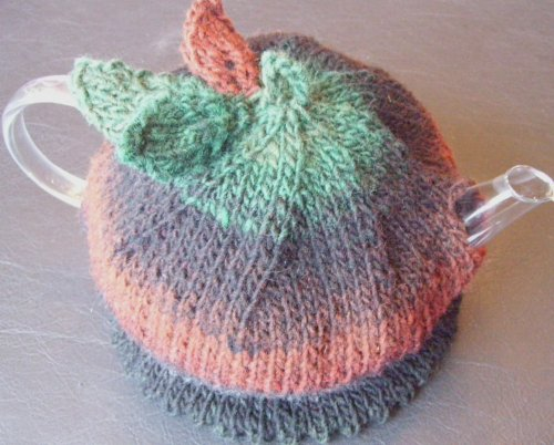 Free Knitted Tea Cosies Patterns : For your Autumn Kitchen   Tea Cozies to knit and crochet   free patterns   Gr...