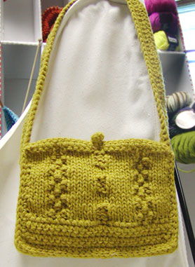 Knitting Pattern For Book Bag : Knit the Best Fall Bags and Purses   free patterns   Grandmothers Patter...