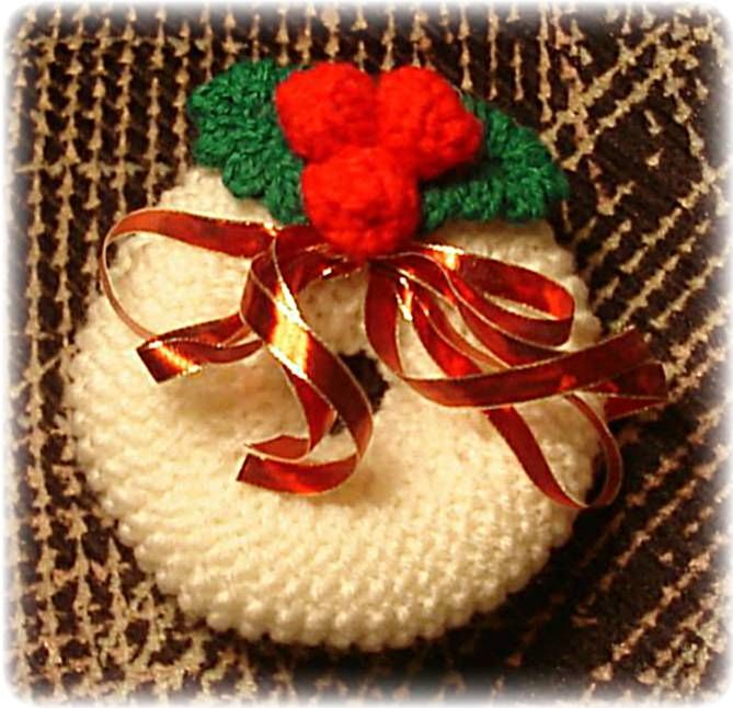 Pretty Knit and Crochet Christmas Wreaths   free patterns   Grandmothers...