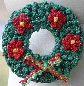 Pretty Knit And Crochet Christmas Wreaths Free Patterns