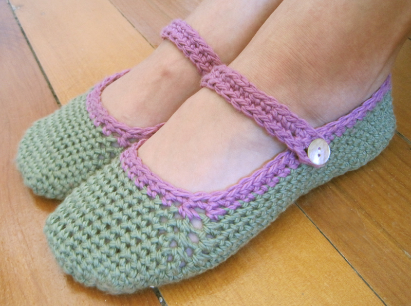 Crochet Patterns Slippers : Pretty and Warm - Slippers to Crochet for Women - 18 free patterns ...