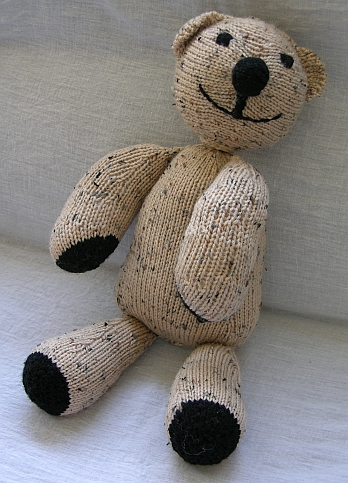 Knit Bear Pattern : Knit a Bear   11 free patterns   Grandmothers Pattern Book