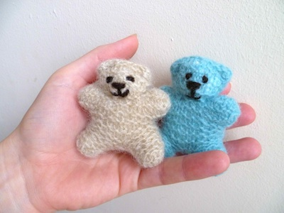 Knitted Teddy Bear Pattern Books : More Bears to Knit   9 free patterns   Grandmothers Pattern Book