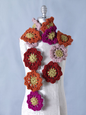 More Flowers to Crochet ? free patterns ? Grandmothers ...