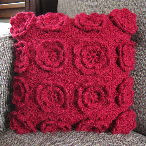 More Flower Pillows To Crochet 14 Free Patterns Grandmothers