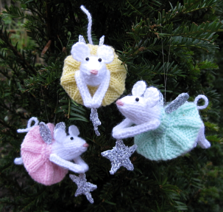 Knit Fairies and Gnomes   free patterns   Grandmothers Pattern Book