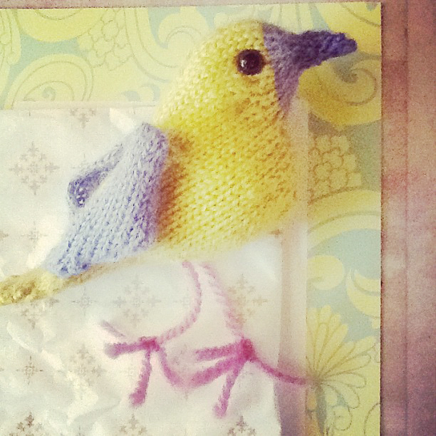 Parrot Knitting Pattern Free : More Birds to Knit   free patterns   Grandmothers Pattern ...