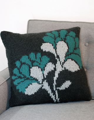 Christmas Stocking Knitted Patterns : Pretty Flower Pillows to Knit   14 free patterns   Grandmothers Pattern ...