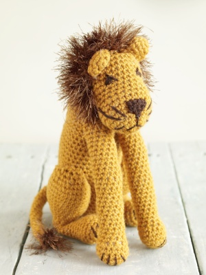 Free Knitting Pattern Toy Lion : Circus Time Lions and Tigers to knit and crochet -free patterns   Grandmother...