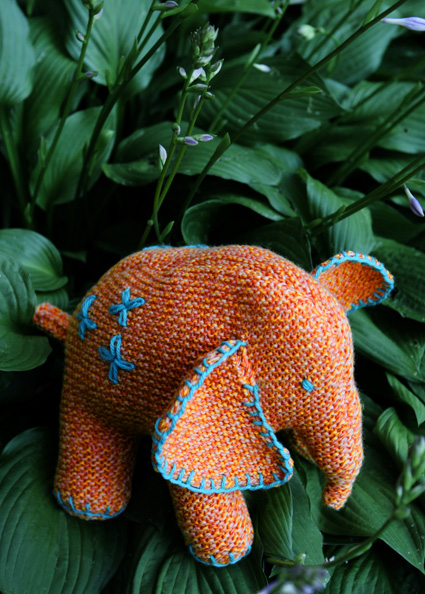 Free Elephant Knitting Pattern : Circus Time! Circus Elephants to Knit and Crochet   free patterns   Grandmoth...
