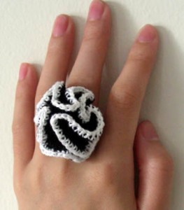 crochet-crazy-ruffle-ring