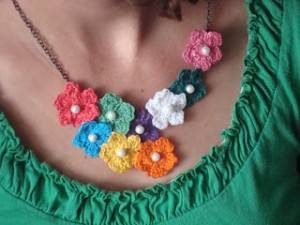 crochet flower necklace 018