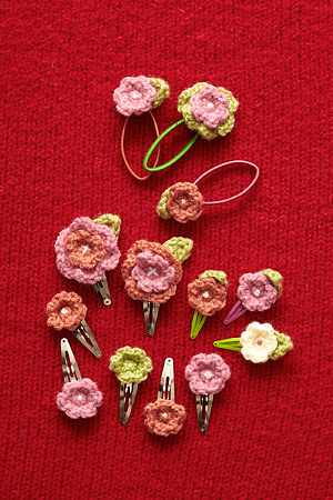 Crochet Rose Hair Clip Pattern : Crochet Hair Accessories - free patterns - Grandmothers Pattern ...