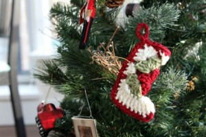 crochet-stocking-christmas-ornament