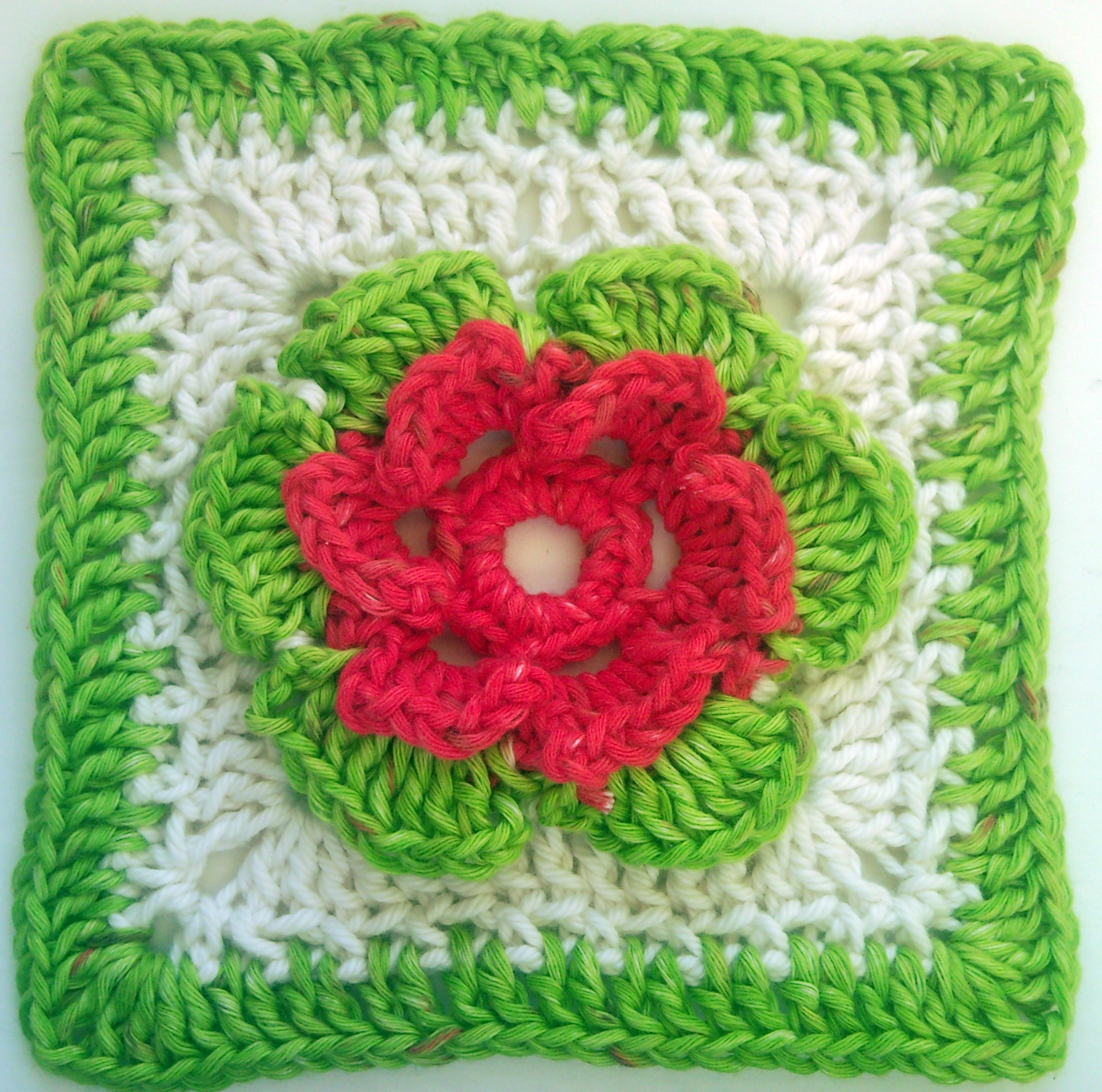 Crochet Pattern Granny Square With Flower : Pics Photos - Flower Granny Square Free Crochet Patterns ...