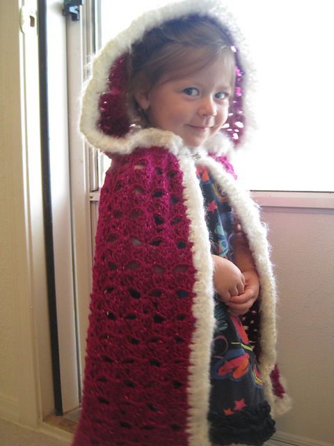 Free Crochet Pattern Child s Hooded Cape : Fairy Tale Crochet ? free patterns ? Grandmothers Pattern ...