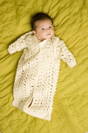 Free Baby Bunting Knitting Patterns : Precious Baby Cocoons and Buntings   free patterns to knit and crochet   Gran...