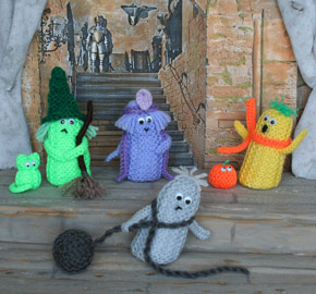 Quick and Fun! Treats to Knit and Crochet for Halloween – free patterns