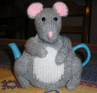 mouse tea cosy