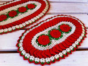 FP247Ruffled-Rose-Hot-Plate-Mats_500-300x224