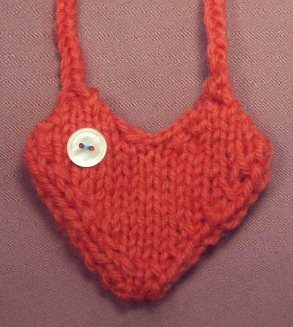 Heart Shaped Knitting Pattern : More Hearts to Knit   27 free patterns   Grandmothers Pattern Book
