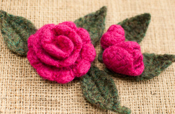 Crochet Rose Pattern : ... Roses to Crochet - 26 free patterns - Grandmothers Pattern Book