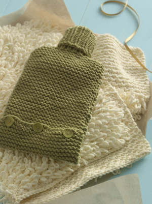 Knitting Pattern For A Hot Water Bottle Cover : Hot Water Bottle Cozies to Knit   26 free patterns ...