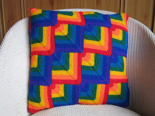 More Rainbows to Knit – 25 free patterns