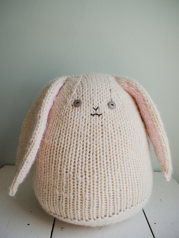 Knitted Bunnies Free Pattern : Bunnies to Knit   26 free patterns   Grandmothers Pattern Book