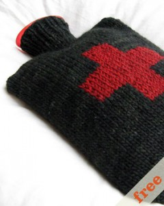 hot-water-bottle-cozy-front-free__51481.1280172270.280.350