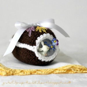 Crochet chocolate panorama Easter Egg 22 wm IMG_5256