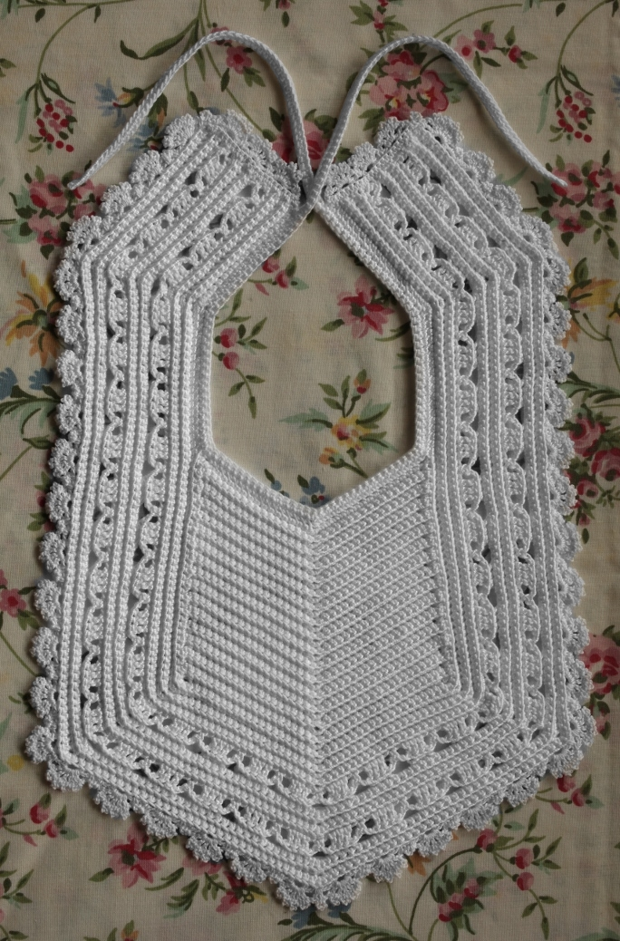 The Sweetest Bibs to Crochet for Baby ? free patterns ...