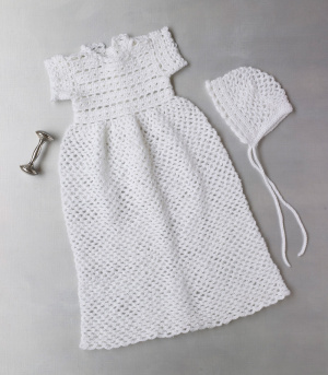 Free Crochet Pattern Baby Cradle Purse : Christening Sets to Crochet for Baby ? 9 free patterns ...