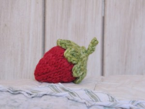 Knitted+Strawberry