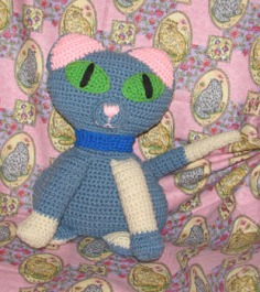 blue-crochet-kitty