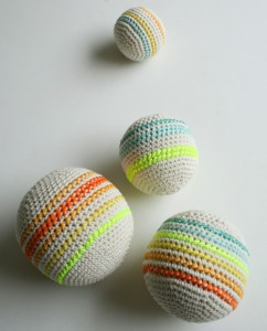 crocheted-balls-600-17-1